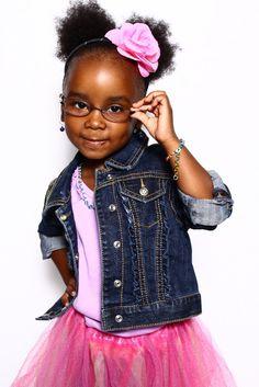 Little girls look cute in glasses