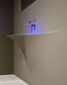 Lavabos empotrados que se fusionan con el silencio y la luz dándoles vida y forma, además de tranquilidad. #lavabos #luz #silencio #originalidad #fusión #diseño