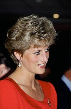 Princess Diana in Seville, Spain Get premium, high resolution news photos at Getty Images Princess Of Wales, Princess Charlotte, Princess Kate, Princess Diana Pictures, Diana Fashion, Women's Fashion, Perfect Wife, Princes Diana, Lady Diana Spencer