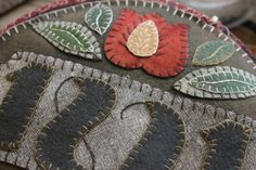Folkartist Rebekah L. Smith designs and creates wool applique patterns inspired by historic American folk art. Find patterns for your next hand-stitched project. Wool Applique Patterns, Felt Applique, Applique Designs, Fleece Crafts, Felted Wool Crafts, Wool Quilts, Wool Rugs, Mini Quilts, Felt Gifts
