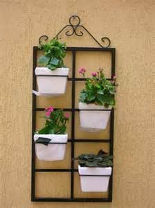 PORTA VASOS Flower Stands, Plant Decor, Decor, Balcony Decor, Garden Wall, Plant Stand, Garden Shelves, Hanging Garden, Iron Plant
