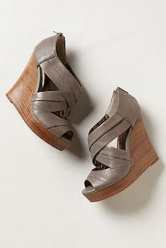 love these #grey wedges http://rstyle.me/n/hfrhhr9te