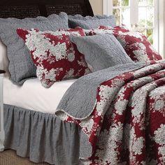 Lorraine Floral Brick Red Quilt Set Bedding
