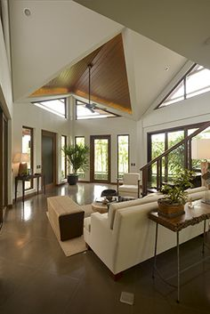 Tago: A Take on the Modern Bahay-Kubo Real Living Philippines Modern Home Design, Dream Home Design, Modern Homes, Home Interior Design, Design Homes, Interior Garden, Interior Modern, Modern Filipino Interior, Modern Filipino House