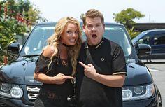 """Britney Spears se veste de colegial em karaokê no carro de James Cordel   No vídeoBritneyfaz várias revelações e até se veste de colegial para cantar...Baby One More Time.A cantora está em sua melhor forma e vai ganhar um vídeo sobre sua vida e carreira Britney embarcou nessa com o the late late show e arrancaram muitas risadas do publico.Durante a conversa a estrela fala vários babados:""""Eu quero ter mais três filhos! Mas tenho que encontrar o cara certo antes"""" revelou ela.""""O que você…"""