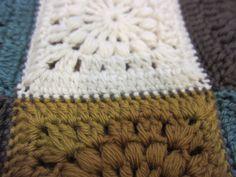前記事からの続きです。 10センチ角のモチーフを 60枚編みました。 それを 森のブランケットでは ひとつ ひとつ、巻きはぎでつな...