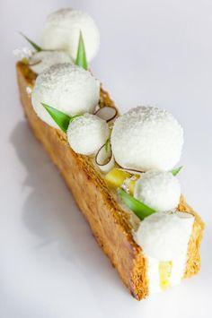Idea for winter cuisine Individual Desserts, Fancy Desserts, Köstliche Desserts, Plated Desserts, Delicious Desserts, Dessert Recipes, Cinnamon Desserts, Gourmet Recipes, Sweet Recipes
