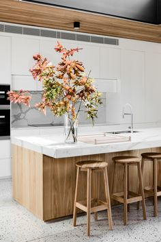 Modern Kitchen Design : Gallery of Courtyard House / FIGR Architecture & Design 12 Deco Design, Küchen Design, House Design, Patio Design, Modern Kitchen Design, Interior Design Kitchen, New Kitchen, Kitchen Decor, Kitchen White