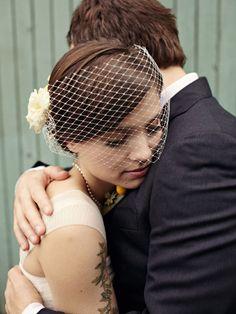 Aw. love headpieces like this.  Photography by www.sarahrhoads.com