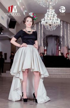Falda ivory en shangtu de seda. Alina Avendaño Couture