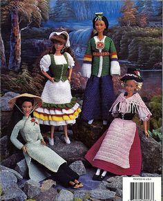 Fashion Doll Costumes folkloriques au Crochet par grammysyarngarden