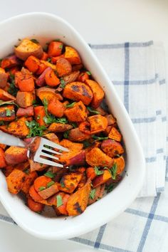 Roasted Carrots and Sweet Potatoes Recipe. Gluten-free, vegan, and paleo. A great healthy recipe for curing sugar cravings!