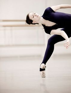 "Lauren Cuthbertson rehearsing Wayne Gregor's ""Infra"".   Photo by Johan Persson."