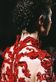 MARCHESA, AW11. High Fashion, Runway Fashion, Couture Fashion, Types Of Embroidery, Marchesa, Backgrounds, Sunshine, Evening Gowns, Fashion Details