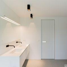 Modern interior doors with an invisible door frame - Binnendeuren Door Frame, Interior, Pivot Doors, Modern Door, Door Handles, Doors Interior, Doors Interior Modern, Modern Interior, Bathroom Decor