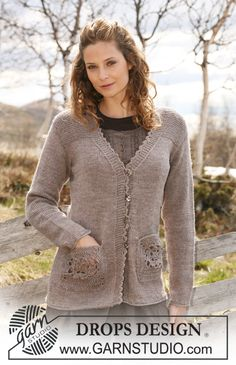 """Knitted DROPS jacket in """"Karisma"""" with crochet pockets. Size S - XXXL ~ DROPS Design"""