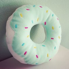 I love the mint color and this donut! And aren't donuts just soooooooooooooo cute!?!?!