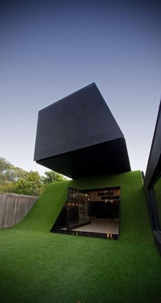 Hill House by Andrew Maynard Architects, Melbourne, Australia Cantilever Architecture, Architecture Design, Beautiful Architecture, Residential Architecture, Contemporary Architecture, Landscape Architecture, Melbourne Architecture, Australian Architecture, Contemporary Design