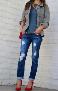 Boyfriend jeans and red pumps