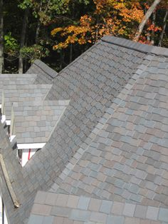 So often we are asked about the differences between natural slate vs. DaVinci Roofscapes polymer slate. We have answers....