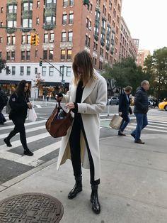 m File #whitecoat #streetstyle #fashion