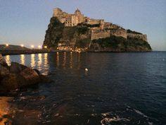 Castello Aragonese di sera