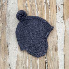 Agda pattern by Susie Haumann - Babysachen Baby Hat Knitting Pattern, Baby Hats Knitting, Knitting For Kids, Crochet For Kids, Knitting Yarn, Knitting Projects, Knitting Patterns, Kids Patterns, Bonnet Crochet