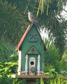 Weird Bird Studio: Amazing bird houses