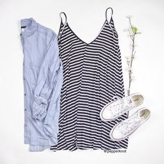 Striped summer dress with white converse Warm Outfits, Cute Casual Outfits, Simple Outfits, Boho Outfits, Dress Outfits, Fashion Outfits, Dresses, Spring Summer Fashion, Autumn Fashion