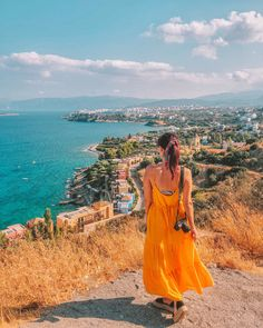 Don't know what to pack for Greece? Get some inspiration from this comprehensive outfits for Greece list. Boho Outfits, Classy Outfits, Spring Outfits, Greece Vacation, Greece Travel, Greece Clothes, Greece Outfit, Santorini Travel, Packing List For Vacation