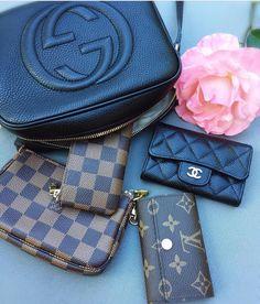 I am a #handbag addict and I like share the #fashion of #designer #handbag for you. #Leather purse, canvas bags and so on.