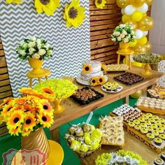 Sunflower Party Themes, Sunflower Birthday Parties, Sunflower Wedding Decorations, Sunshine Birthday Parties, Party Decoration, Birthday Decorations, Baby Shower Decorations, Baby Girl First Birthday, 12th Birthday
