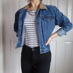 ⚡️ sale ⚡️ vintage petite denim jacket missing a few buttons but still in excellent condition + no trades + modeled on an xs (0/2) + ⭐️ open to offers but please no low balling, thank you! ⭐️ Vintage Jackets & Coats Jean Jackets