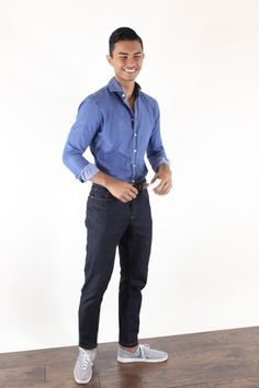 Style For The Blue Collar Worker Winter Teacher Outfits, Summer Outfits, Fashion Images, Men's Fashion, Teaching Mens Fashion, Flats Outfit, Medical, Men Style Tips, Cool Shirts