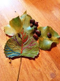 Feuille cousue by me ;o) Embroidery Leaf, Embroidery Patterns, Dry Leaf Art, Leaf Skeleton, Leaf Projects, Decorative Leaves, Embroidered Leaves, Crochet Leaves, Painted Leaves