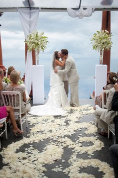 A breathtaking, intimate Costa Rica destination wedding fully equipped with fireworks and an infinity pool. My dream wedding.