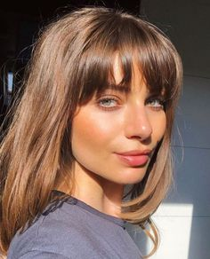 haar pony They already Know discovered by - Natural Makeup - Girls Natural Hairstyles, Fringe Hairstyles, Hairstyles With Bangs, Summer Hairstyles, Wedding Hairstyles, Girls Hairdos, Wedding Updo, Short Hair With Bangs, Short Hair Styles
