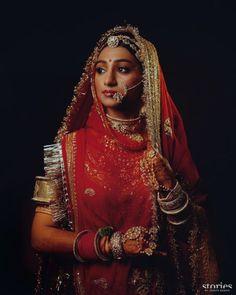 royalbannabaisastylo royalty lookingroyal Jaipur Jodhpur rajputa rajputanaculture royalty_in_blood👑👑 shan_a_rajputana bannaji👑❤️😎😎 baisaraj👰 banna_baisa_shout_out royalfamily udaipur jodhpur_the_blue_heaven Ghoomar lookfitness rajputanastyle Indian Bridal Outfits, Indian Bridal Fashion, Indian Designer Outfits, Indian Dresses, Bridal Dresses, Wedding Outfits, Rajasthani Lehenga, Rajasthani Bride, Sabyasachi