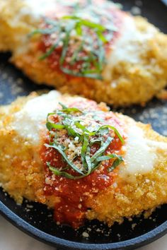 Baked Quinoa Chicken Parmesan by damndelicious: With an amazingly crisp quinoa crust. #Chicken_Parmesan #Quinoa #Healthy