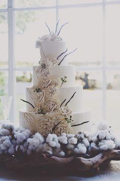cotton wedding cake | Winter cotton wedding | Nozze di cotone http://theproposalwedding.blogspot.it/ #cotton #wedding #winter #matrimonio #cotone #inverno