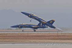 Blue Angel solos departing runway 30  NAF El Centro  Copyright © MMXI Greg Loskorn  Milepost Imaging
