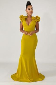 African Bridesmaid Dresses, African Wedding Dress, Elegant Dresses, Nice Dresses, Casual Dresses, Gala Dresses, Evening Dresses, Photoshoot Dresses, Yellow Skirt Outfits
