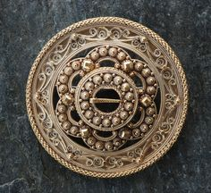 cm Traditional Norwegian filigree brooch with a sextuple pattern, with coils, patterned wire, beads. Family Traditions, Diamond Shapes, Metal Jewelry, All Art, Silver Beads, Norway, Orchids, Scandinavian, Brooch