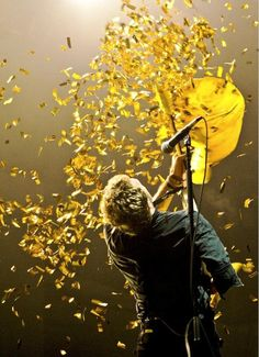 Look at the stars, Look how they shine for you, And everything you do, Yeah, they were all yellow.