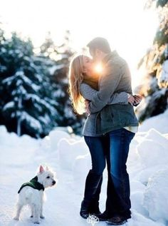 Super photography ideas for couples in winter engagement shoots 45 Ideas Country Engagement Pictures, Winter Engagement Photos, Engagement Shots, Engagement Photo Poses, Engagement Outfits, Beach Engagement, Engagement Photography, Wedding Photography, Winter Photography