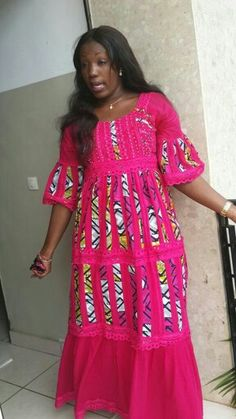 Stunning Ankara Skirt and Blouse Style For Wedding Ceremonies - Sisi Couture African Maxi Dresses, Ankara Dress, African Attire, African Wear, African Women, African Print Fashion, Africa Fashion, African Prints, Look Fashion
