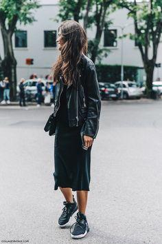 MFW-Milan_Fashion_Week-Spring_Summer_2016-Street_Style-Say_Cheese-Chiara_Totire-Biker_Jacket-Sneakers-#biker jacket#sneakers#skirt