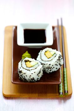 California Maki Rolls with Mango & Avocado