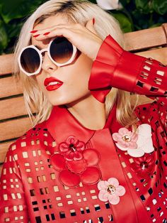 Bebe Rexha - It's Too Hot ! - But that's awsome! -  #LookinGood!