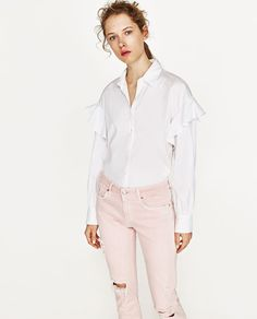Image 4 of RIPPED MID-RISE JEANS from Zara